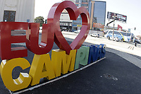 Campinas (SP), 03/07/2020 - Comercio - A regiao de Campinas regrediu nesta sexta-feira (3) a fase vermelha do Plano Sao Paulo de flexibilizacao da quarentena de combate ao coronavirus, com restricoes e com apenas o funcionamento das atividades essenciais por pelo menos mais uma semana. Movimentacao na Torre do Castelo na cidade de Campinas (SP), nesta sexta-feira (3). (Foto: Denny Cesare/Codigo 19/Codigo 19)