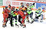 Eishockey DEL 37. Spieltag: Düsseldorfer EG vs <br /> ERC Ingolstadt am 07.04.2021 im ISS Dome in Düsseldorf<br /> <br /> Gerangel zwischen Ingolstadts Morgan Ellis (Nr.4) und Düsseldorfs Mathias From (Nr.77)<br /> <br /> Foto © PIX-Sportfotos *** Foto ist honorarpflichtig! *** Auf Anfrage in hoeherer Qualitaet/Aufloesung. Belegexemplar erbeten. Veroeffentlichung ausschliesslich fuer journalistisch-publizistische Zwecke. For editorial use only.