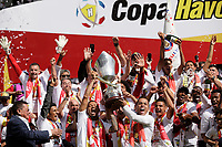 QUITO, ECUADOR, 16-12-2018: Jugadores de Liga Deportiva Universitaria de Quito celebran el título 2018 de la Copa Havoline en el estadio Rodrigo Paz Delgado en la ciudad de Quito, Ecuador / Player of Liga Deportiva Universitaria de Quito celebrate the title 2018 of the Havoline Cup at the Rodrigo Paz Delgado Stadium in the city of Quito, Ecuador (Photo: VizzorImage / Franklin Jácome / Press South /Cont.