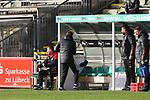 22.11.2020, Dietmar-Scholze-Stadion an der Lohmuehle, Luebeck, GER, 3. Liga, VfB Luebeck vs FC Bayern Muenchen II <br /> <br /> im Bild / picture shows <br /> Trainer Holger Seitz (FC Bayern Muenchen II) ist wütend/wuetend und feuert seine Kappe auf die Bank<br /> <br /> DFB REGULATIONS PROHIBIT ANY USE OF PHOTOGRAPHS AS IMAGE SEQUENCES AND/OR QUASI-VIDEO.<br /> <br /> Foto © nordphoto / Tauchnitz