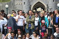 JEAN-PHILIPPE DOUX, VERONICA ANTONELLI - LE SECOURS POPULAIRE A DISNEYLAND PARIS, FRANCE, LE 04/04/2017.