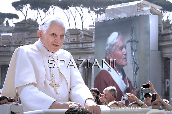 Pope Benedict XVI during his weekly general audience in St. Peter square at the Vatican, Wednesday. 4 May, 2011