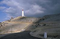 Europe/France/Provence-Alpes-Côte d'Azur/84/Vaucluse/Mont Ventoux: Le sommet (1909 mètres) et l'observatoire
