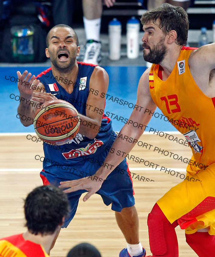 """France`s  Tony Parker (L) and Marc Gasol of Spain (R) in action during European basketball championship """"Eurobasket 2013"""" semifinal basketball game between Spain and France in Stozice Arena in Ljubljana, Slovenia, on September 20. 2013. (credit: Pedja Milosavljevic  / thepedja@gmail.com / +381641260959)"""