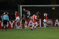 BOGOTA -COLOMBIA, 23-05-2017. The Strongest scores goal against of Santa Fe . Action game between Independiente Santa Fe of Colombia  and  The Strongest of Bolivia  during match for the date 6  for the Conmebol Libertadores Bridgestone Cup 2017 played at Nemesio Camacho El Campin stadium . Photo:VizzorImage / Felipe Caicedo  / Staff