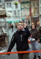 09-02-12, Netherlands,Tennis, Den Bosch, Daviscup Netherlands-Finland, Loting, Straattennis,