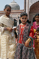 Kinder in der Jama Masjid, Delhi,  Indien