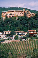 Europe/Italie/Ombrie/Env d'Orvieto : Le village de Corbara
