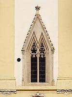 Gotisches Fenster, altes Rathaus, Hauptplatz Hlavne nam., Bratislava, Bratislavsky kraj, Slowakei, Europa<br /> Gothic window of old townhall, Bratislava, Bratislavsky kraj, Slovakia, Europe