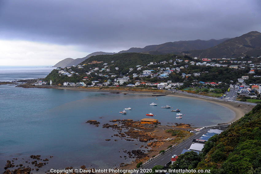 Island Bay at 1pm, Monday during lockdown for the COVID19 pandemic in Wellington, New Zealand on Monday, 27 April 2020. Photo: Dave Lintott / lintottphoto.co.nz