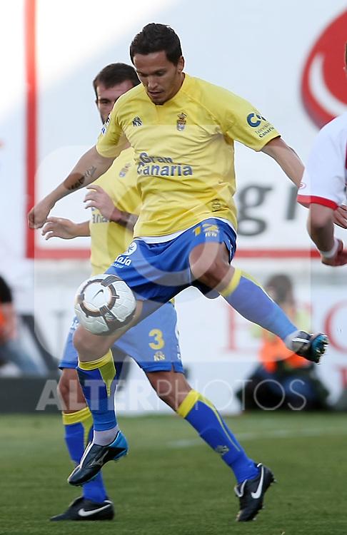Las Palmas' Gregory Beranger during La Liga 2th Division match, April 10 2010. (ALTERPHOTOS/Acero).