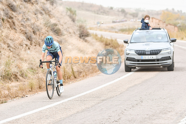 Mireia Benito Pellicer (ESP) Massi Tactic Women Team out front during Stage 1 of the CERATIZIT Challenge by La Vuelta 2020, running 82.8km from Toledo to Escalona, Spain. 6th November 2020.<br /> Picture: Antonio Baixauli López/BaixauliStudio | Cyclefile<br /> <br /> All photos usage must carry mandatory copyright credit (© Cyclefile | Antonio Baixauli López/BaixauliStudio)