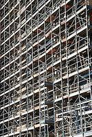 Milano/ Italia - settembre 2013<br /> Cantiere edile nell'area dell'ex Alfa Romeo, nella zona Portello-Fiera.<br /> Nella foto i lavori per la costruzione delle Residenze di lusso di Parco Vittoria in corso di realizzazione.<br /> Foto Livio Senigalliesi