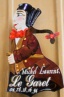 Europe/France/Rhône-Alpes/69/Rhône/Lyon:  Bouchon Le Garet, 7, rue du Garet; l'enseigne représente guignol autre icone de la ville