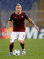 Calcio, Champions League: Gruppo E - Roma vs Bate Borisov. Roma, stadio Olimpico, 9 dicembre 2015.<br /> Roma's Radja Nainggolan in action during the Champions League Group E football match between Roma and Bate Borisov at Rome's Olympic stadium, 9 December 2015.<br /> UPDATE IMAGES PRESS/Riccardo De Luca