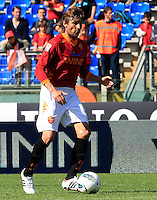 Calcio, Serie A: Roma-Fiorentina. Roma, stadio Olimpico, 25 aprile 2012. Il difensore argentino della Roma Gabriel Heinze in azione..AS Roma defender Gabriel Heinze, of Argentina, in action during the Italian Serie A football match between AS Roma and Fiorentina, at Rome Olympic stadium, 25 april 2012..UPDATE IMAGES PRESS/Riccardo De Luca