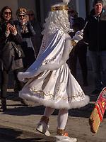 Spritzer beim Aufzug der Masken beim Nassereither Schellerlauf, Fasnacht in Nassereith, Bezirk Imst, Tirol, Österreich, Europa, immaterielles UNESCO Weltkulturerbe<br /> Spritzer at the gathering of the masks, Nassereither Schellerlauf-Fasnacht, Nassereith, Tyrol, Austria Europe, Intangible World Heritage