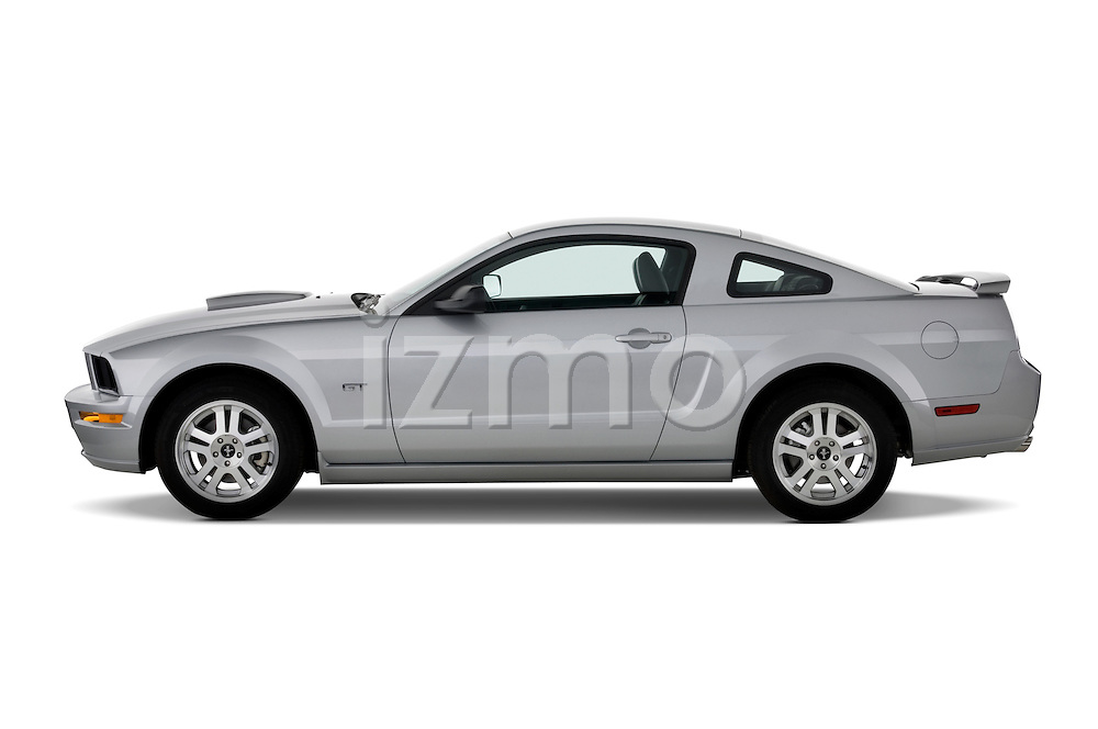 Driver side profile 2007 Ford Mustang GT Coupe