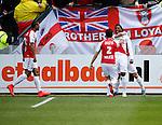 Nederland, Utrecht, 5 april 2015<br /> Eredivisie<br /> Seizoen 2014-2015<br /> FC Utrecht-Ajax (1-1)<br /> Spelers van FC Utrecht omhelzen Gevero Markiet van FC Utrecht na zijn doelpunt. Links Sebastien Haller van FC Utrecht