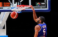France's Nicolas Batum dunks the ball during European championship semi-final basketball match between France and Spain on September 17, 2015 in Lille, France  (credit image & photo: Pedja Milosavljevic / STARSPORT)