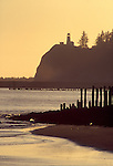 Columbia River; Cape Disappointment State Park, Columbia River; lighthouse, Washington State; Pacific Northwest. USA;