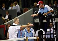 5-10-07, Netherlands, Eindhoven, Tennis, Alex Classics,    McEnroe ouderwets op dreef tegen Borg
