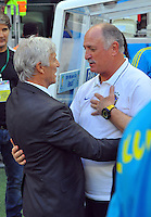 FORTALEZA - BRASIL -04-07-2014. Jose Pekerman técnico de Colombia (COL) se saliuda con Luiz Felipe Scolari técnico de Brasil (BRA) durante partido de los cuartos de final por la Copa Mundial de la FIFA Brasil 2014 jugado en el estadio Castelao de Fortaleza./ Jose Pekerman coach of Colombia (COL) salutes with Luiz Felipe Scolari coach of Brazil (BRA) during the match of the Quarter Finals for the 2014 FIFA World Cup Brazil played at Castelao stadium in Fortaleza. Photo: VizzorImage / Alfredo Gutiérrez / Contribuidor