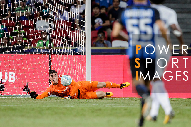 Chelsea Goalkeeper Thibaut Courtois in action during the International Champions Cup 2017 match between FC Internazionale and Chelsea FC on July 29, 2017 in Singapore. Photo by Marcio Rodrigo Machado / Power Sport Images