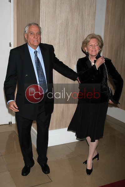 Garry Marshall and Barbara Marshall<br />at the Friends of the Los Angles Free Clinic Annual Dinner Gala. Beverly Hilton Hotel, Beverly Hills, CA. 11-20-06<br />Dave Edwards/DailyCeleb.com 818-249-4998