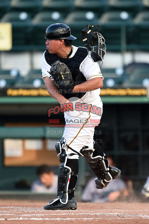 Bradenton Marauders catcher Jin-De Jhang (47) throws down to first in between innings during a game against the Jupiter Hammerheads on June 25, 2014 at McKechnie Field in Bradenton, Florida.  Bradenton defeated Jupiter 11-0.  (Mike Janes/Four Seam Images)