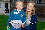 Lily Peczak on her first day in Junior Infants at Scoil Eoin Balloonagh on Wednesday with her mother Patrycja Rychlicka.