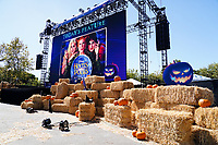 """LOS ANGELES- OCTOBER 9: The Disney+ Hallowstream Drive-In presentation of """"Hocus Pocus"""" at West Los Angeles College on October 9, 2021 in Culver City, California.  (Photo by Rachel Luna/Disney+/PictureGroup)"""