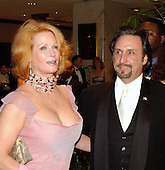 """Actor Ron Silver and his wife, Catherine """"Kate"""" de Castelbajack, arrive at the 2003 White House Correspondents Dinner at the Washington Hilton Hotel in Washington, DC, April 26, 2003..Credit: Ron Sachs / CNP"""