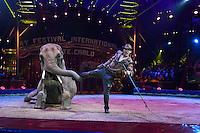 -- NO TABLOIDS NO SITE WEB - 41st International Circus Festival of Monte-Carlo. Erwin Frankello's elephants.