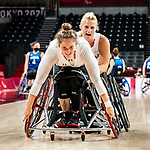 Arinn Young and Kathleen Dandeneau, Tokyo 2020 - Wheelchair Basketball // Basketball en fauteuil roulant.<br /> Canada takes on the USA in the wheelchair basketball quarterfinal // Le Canada affronte les États-Unis en quart de finale de basketball en fauteuil roulant. 31/08/2021.
