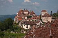 Europe/Europe/France/Midi-Pyrénées/46/Lot/Loubressac: Toits du village perché sur un promontoire d'où l'on jouit d'un superbe panorama sur la vallée de la Dordogne - Plus Beaux Villages de France