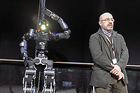 - Walkman, robot umanoide specializzato in disaster recovery, progettato e realizzato presso l' Istituto Italiano di Tecnologia di Genova (IIT); Roberto Cingolani, direttore scientifico dell'Istituto.<br />
