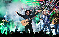 """""""Garth Brooks: The Road I'm On"""" Debuts On Netflix Canada"""
