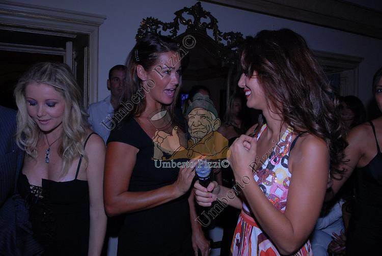 SAMANTHA DE GRENET E DANIELA MARTANI<br /> PARTY DI PAOLO PAZZAGLIA<br /> PALAZZO FERRAJOLI ROMA 2009