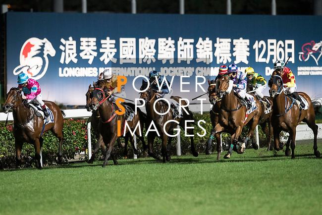 Jockey #7 Vincent Ho Chak-yiu riding Haymaker (R) during the race 4 of Hong Kong Racing at Happy Valley Race Course on November 29, 2017 in Hong Kong, Hong Kong. Photo by Marcio Rodrigo Machado / Power Sport Images