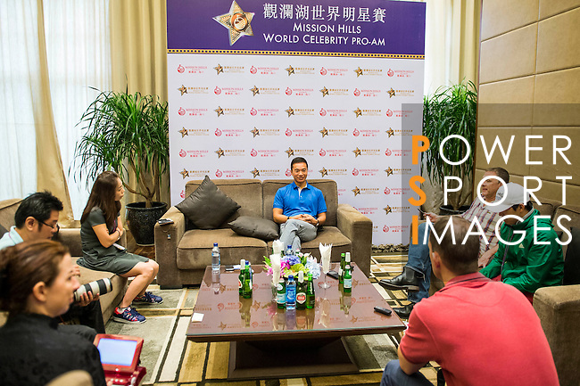 Tenniel Chu holds a press conference during the Mission Hills Celebrity Pro-Am on 25 October 2014, in Haikou, China. Photo by Aitor Alcalde / Power Sport Images