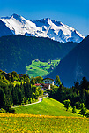 Oesterreich, Tirol, Fruehling im Zillertal, Blick ins Zillertal mit den noch schneebedeckten Gipfeln der Zillertaler Alpen | Austria, Tyrol, springtime at Ziller-Valley, view into Ziller Valley with still snow covered summits of Ziller-Valley Alps