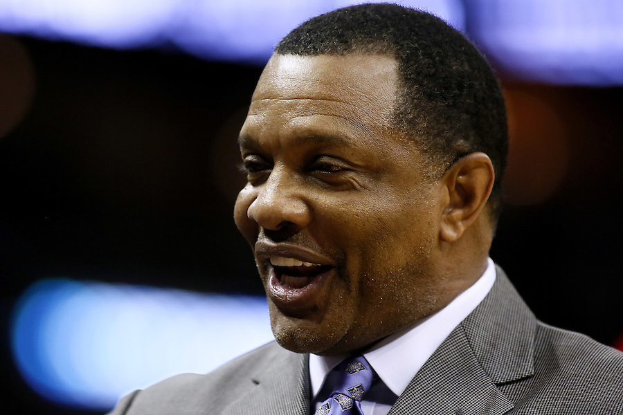 New Orleans Pelicans head coach Alvin Gentry reacts during the first half of an NBA basketball game against the Detroit Pistons Thursday, Jan. 21, 2016, in New Orleans. (AP Photo/Jonathan Bachman)