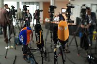Sitzung des NSA-Untersuchungsausschuss am Donnerstag den 18. Juni 2015.<br /> Im Bild: Kameras und Microphone vor der Pressewand.<br /> 18.6.2015, Berlin<br /> Copyright: Christian-Ditsch.de<br /> [Inhaltsveraendernde Manipulation des Fotos nur nach ausdruecklicher Genehmigung des Fotografen. Vereinbarungen ueber Abtretung von Persoenlichkeitsrechten/Model Release der abgebildeten Person/Personen liegen nicht vor. NO MODEL RELEASE! Nur fuer Redaktionelle Zwecke. Don't publish without copyright Christian-Ditsch.de, Veroeffentlichung nur mit Fotografennennung, sowie gegen Honorar, MwSt. und Beleg. Konto: I N G - D i B a, IBAN DE58500105175400192269, BIC INGDDEFFXXX, Kontakt: post@christian-ditsch.de<br /> Bei der Bearbeitung der Dateiinformationen darf die Urheberkennzeichnung in den EXIF- und  IPTC-Daten nicht entfernt werden, diese sind in digitalen Medien nach §95c UrhG rechtlich geschuetzt. Der Urhebervermerk wird gemaess §13 UrhG verlangt.]