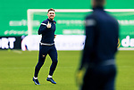 Celtic v St Johnstone…06.12.20   Celtic Park      SPFL<br />Thumbs up from Liam Craig during the warm up at Parkhead<br />Picture by Graeme Hart.<br />Copyright Perthshire Picture Agency<br />Tel: 01738 623350  Mobile: 07990 594431