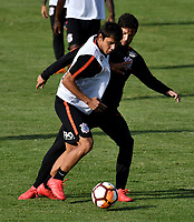 BOGOTA - COLOMBIA – 27 - 02 - 2018: Los jugadores de Corinthians (BRA), durante entreno previo al partido entre Millonarios (COL) y Corinthians (BRA), de la fase de grupos, grupo 7, fecha 1 de la Copa Conmebol Libertadores 2018, en el estadio El Campincito, de la ciudad de Bogota. / The players of Corinthians (BRA), during a traning sesión before a match between Millonarios (COL) and Corinthians (BRA), of the group stage, group 7, 1st date for the Conmebol Copa Libertadores 2018 in the El Campincito Stadium in Bogota city. VizzorImage / Luis Ramirez / Staff.