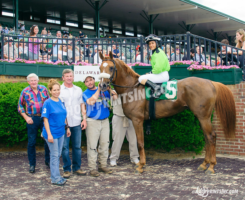 Quick and Rich winning at Delaware Park on 6/6/15