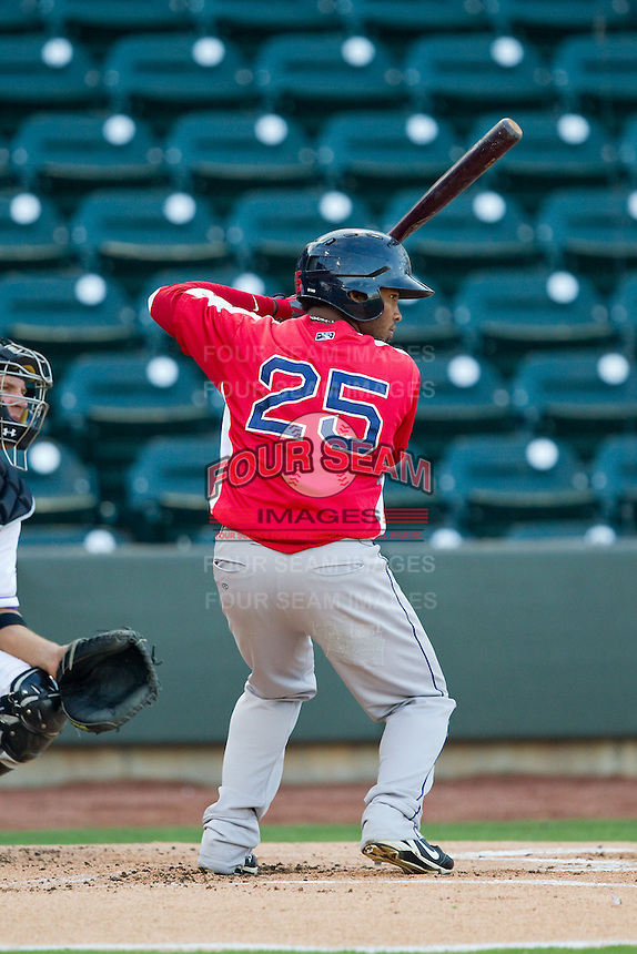 Keury De La Cruz (25) of the Salem Red Sox at bat against the Winston-Salem Dash at BB&T Ballpark on August 15, 2013 in Winston-Salem, North Carolina.  The Red Sox defeated the Dash 2-1.  (Brian Westerholt/Four Seam Images)