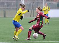 Dames Zulte - Waregem - STVV Sint Truidense VV : Kristien Elsen en Catherine Szynal (rechts).foto DIRK VUYLSTEKE / Vrouwenteam.be