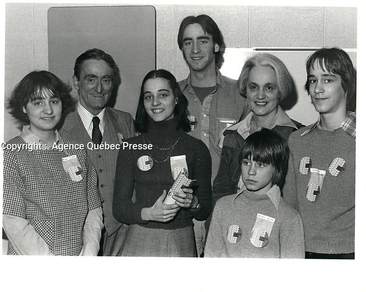 Claude Ryan et sa famille,  le 3 mars 1978, durant la campagne a la chefferie du PLQ <br /> <br /> <br /> <br /> PHOTO :  Agence Quebec Presse